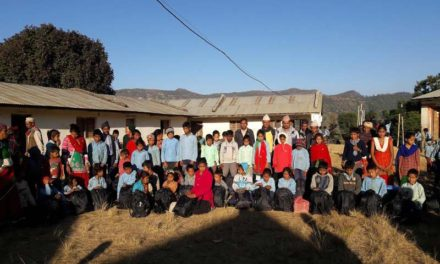 दुर्गमका क्षेत्रका विद्यार्थिलाई छात्रवृत्ति बितरण