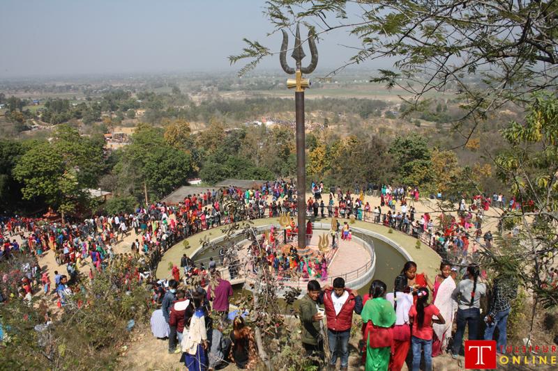 शिवरात्रीमा यस्तो देखियो धारापानी मन्दिर परिसर (फोटो फिचर)