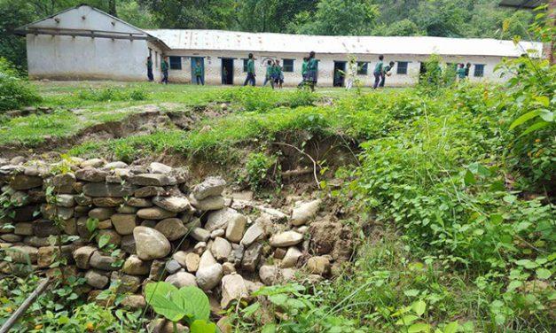 दाङमा सरकारी शिक्षक : सुगममा बिग्रेल्ती दुर्गममा अभाव