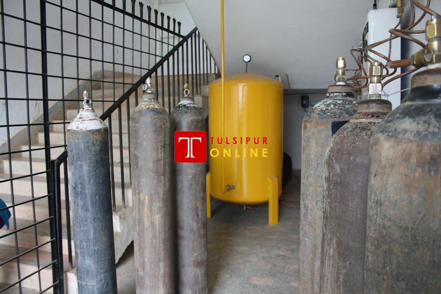 दाङमै छ दैनिक डेढ सय सिलिण्डर उत्पादन गर्ने अक्सिजन उद्योग, भरपर्दो विद्युत नहुदा समस्या