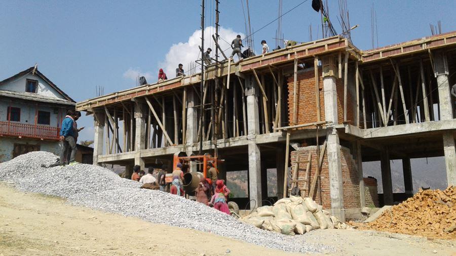 स्वास्थ चौकी घर्तीगाउको भवन निर्माणबाट २०-२५ जना रोजगार