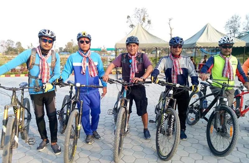 दाङमा बढ्यो साईकल रेशको 'क्रेज'