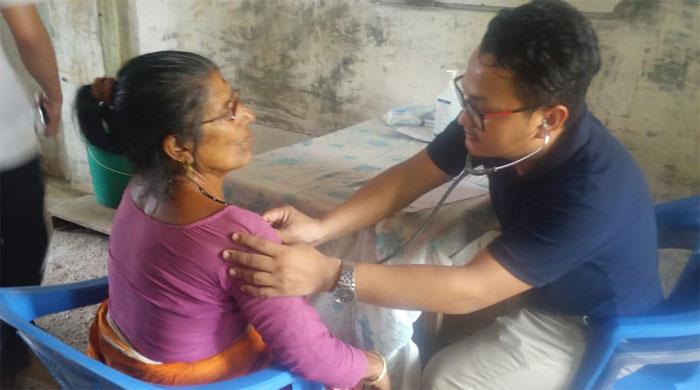 गाउँमै निःशुल्क स्वास्थ्य शिविर आउँदा स्थानीय खुसी