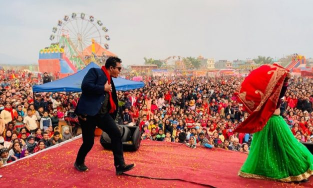 तुलसीपुर महोत्सव : शनिबार दर्शकको भीड