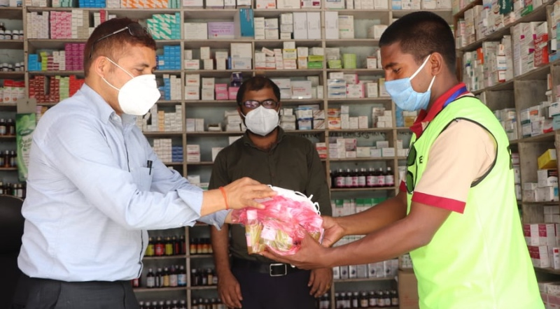 बिपि मेडिकल सन्चालकद्वारा पत्रकारलाई स्वास्थ्य सामाग्री