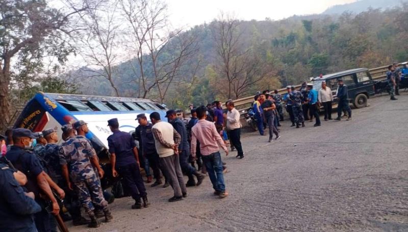 दुर्घटना अपडेट : दुई जनाको मृत्यु, २७ घाइते